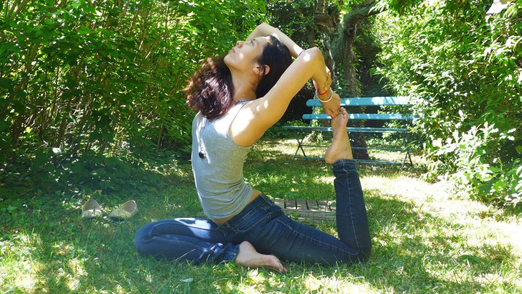Yoga: Eka pada rajakapotasana posture du pigeon à une jambe