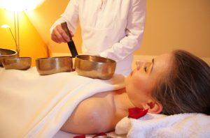 thérapie par les sons bols chantant tibétains