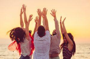 cercle amis ensemble danse plage