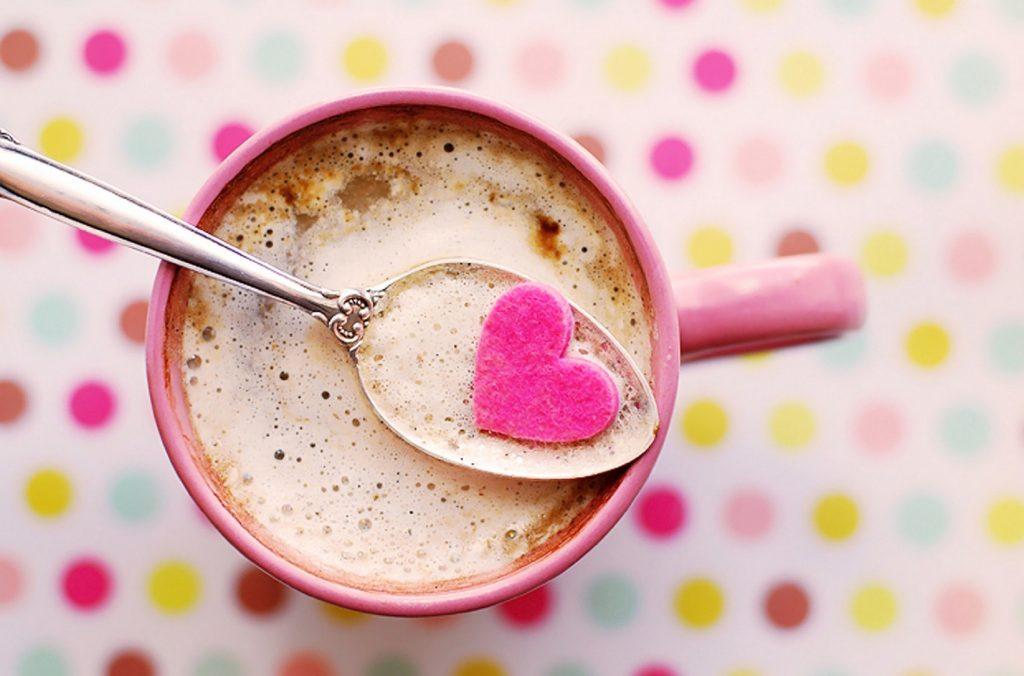 Café et coeur gratitude à la vie