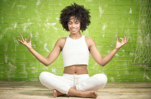 meditation-fille-sourire