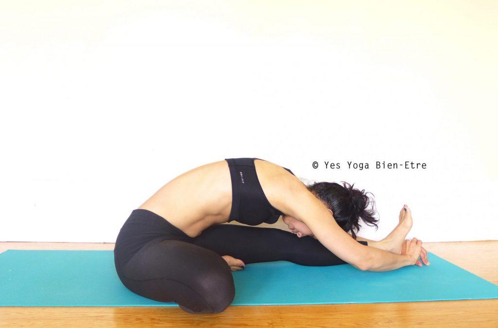 Janu-sirsasana-Posture-tête-genou-yes-yoga-bien-être